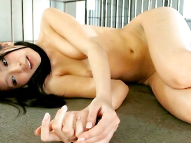 Nana Ogura kiniest solo girl ever
