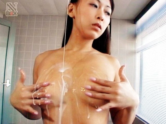 Sexy Teen Riona Sakamaki Shows Her Milk Covered Body