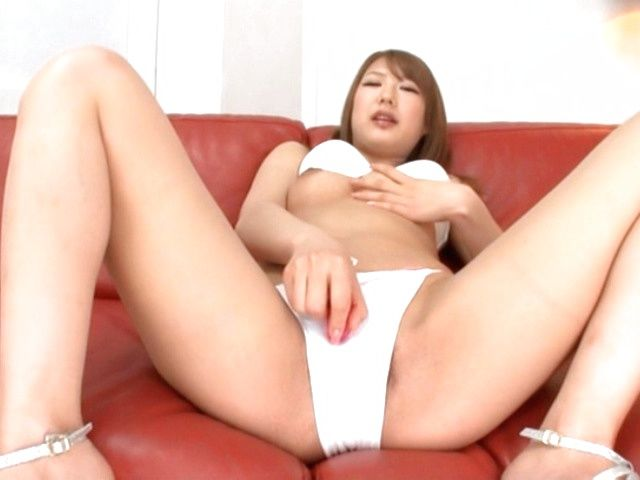 A Huge Vibrator Leaves Mao Satsuki's Pussy Quivering