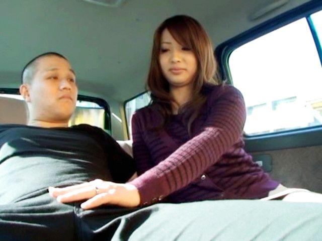 Naughty MILF Cocksucker Ren Mukai Sucks In A Car